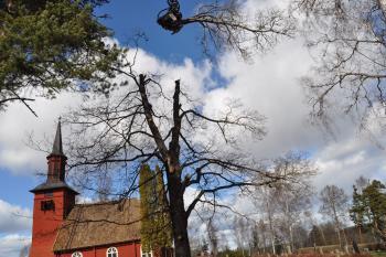 Nedmontering vid Hosjö kyrka
